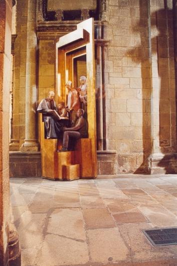 05-40-salida-sacristia